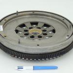 Dual mass flywheel 2005
